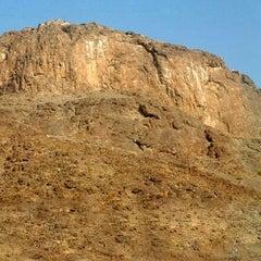 Photo taken at Jabal Nur - Ghar Hira by Eren E. on 7/3/2014