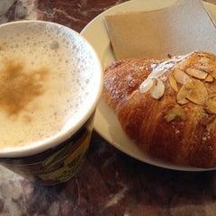 Photo taken at Los Gatos Coffee Roasting Co. by Haruka K. on 9/12/2013