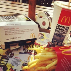 Photo taken at McDonald's by Gabriel D. on 12/5/2012