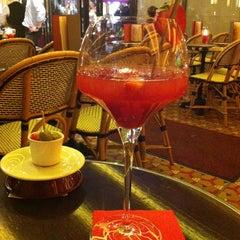 Photo taken at Café George V by Umut Y. on 4/17/2013