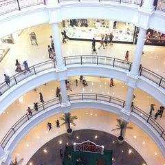 Photo taken at Shopping Pátio Higienópolis by Evandro S. on 10/7/2012
