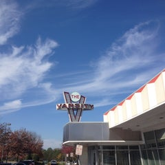 Photo taken at The Varsity by Joee B. on 11/16/2012