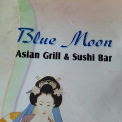 Photo taken at Blue Moon Asian Grill & Sushi Bar by Jeni 'Pixie' M. on 5/15/2013