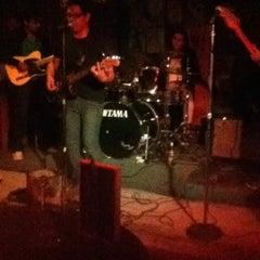 Photo taken at Kingdom Pub by Sergio C. on 10/14/2012