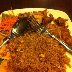 Photo taken at Viet Cafe & Restaurant by Tneoh B. on 8/2/2013