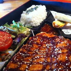Photo taken at Hon Machi Sushi & Cocktails by @SlopFunkDust on 12/11/2012