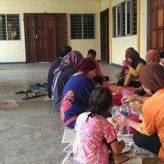 Photo taken at Yayasan Anak-Anak Yatim Jempol Bakti by Hafiz f. on 6/3/2012