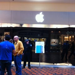 Photo taken at Apple Store, Pheasant Lane by Coco on 3/11/2011