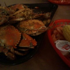 Photo taken at Harris Crab House by Debbie on 12/3/2011