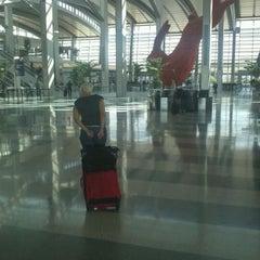 Photo taken at Central Terminal B / Landside by @Jhoggie on 10/13/2011