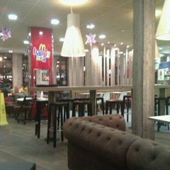 Photo taken at McDonald's by Andy S on 12/12/2011