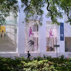 Photo taken at Telfair Museums' Jepson Center by Jonathan S. on 4/14/2011