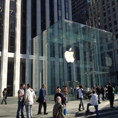 Photo taken at Apple Store, Fifth Avenue by Joseph W. on 3/19/2012
