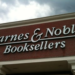 Photo taken at Barnes & Noble by Kelly P. on 8/20/2011