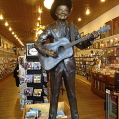 Photo taken at Ernest Tubb Record Shop by Victor E. on 7/8/2012