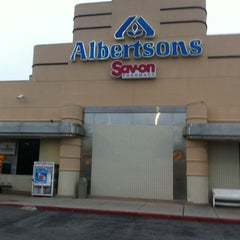 Photo taken at Albertsons by Theron X. on 10/19/2011