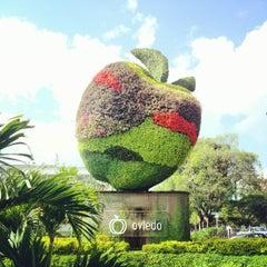 Foto tomada en Centro Comercial Oviedo por Santiago V. el 8/4/2012