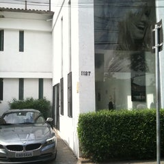 Photo taken at Saint Ruiz Cabeleireiros by Alan F. on 5/7/2011