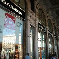 Photo taken at Mondadori Multicenter by Abdelsamad @. on 9/22/2011