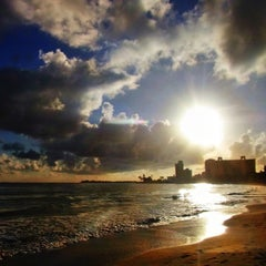 Photo taken at Isla Verde Beach - Balneario Isla Verde (La Playa) by Raul C. on 9/1/2012