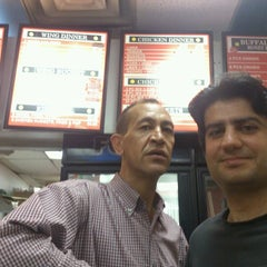 Photo taken at J.J.'s Fish & Chicken by İbrahim Halil S. on 8/30/2012
