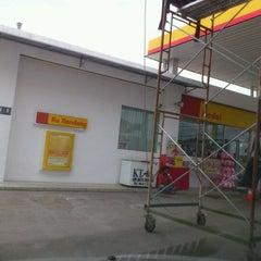 Photo taken at Shell rhu rendang by Engku A. on 4/17/2012