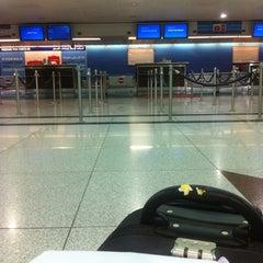 Photo taken at Terminal 1 المبنى by Mkmmk B. on 8/21/2012