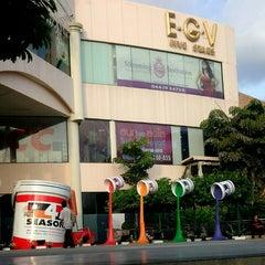Photo taken at The Mall Nakhon Ratchasima (เดอะมอลล์นครราชสีมา) by Kunavut K. on 11/23/2012