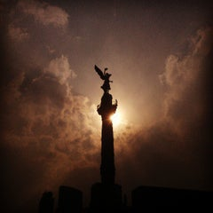 Photo taken at Monumento a la Independencia by Erick G. on 3/26/2013