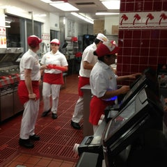 Photo taken at In-N-Out Burger by Bob M. on 2/6/2013