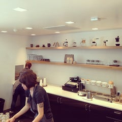 Photo taken at Blue Bottle Coffee by Kan W. on 6/2/2013