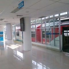 Photo taken at Stasiun Medan by Supriadi on 7/27/2013