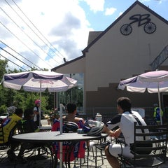 Photo taken at Strictly Bicycles by Benny W. on 8/4/2013
