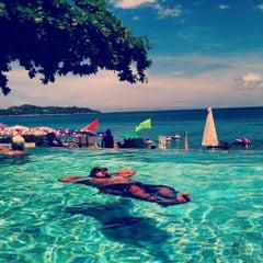 Photo taken at Lamai Wanta Beach Resort by Shadman R. on 9/8/2015