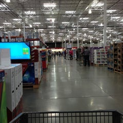 Photo taken at Costco by James W. on 11/17/2012