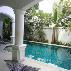 Photo taken at Palm Grove Resort Pattaya by Nopparat U. on 8/16/2014