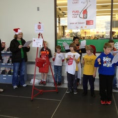 Photo taken at Hy-Vee by Justin W. on 12/15/2012