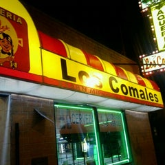 Photo taken at Taquería Los Comales by Eddie J. on 10/31/2012