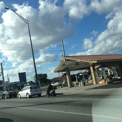 Photo taken at Intersection W Oakland Park Blvd & N Powerline Rd by Frank @. on 1/23/2013