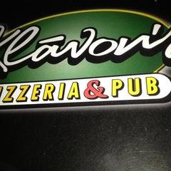 Photo taken at Klávon's Pizzeria & Pub by William R. on 1/8/2013