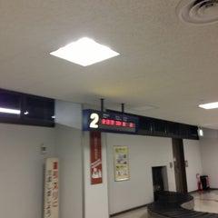 Photo taken at 福岡空港 手荷物受取台 by Banriku O. on 2/1/2013