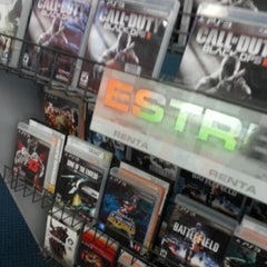 Photo taken at Blockbuster by Freddy R. on 12/17/2012
