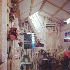 Photo taken at Café Gác Hoa by Jelly on 10/30/2012