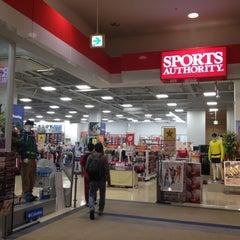 Photo taken at スポーツオーソリティ 熱田店 by Masakazu U. on 10/7/2012