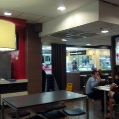 Photo taken at McDonald's by Roger L. on 8/19/2015