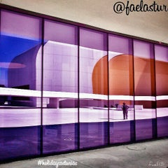 Photo taken at Centro Cultural Internacional Oscar Niemeyer by Holidays A. on 4/22/2013