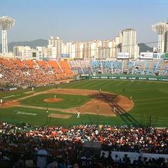 Photo taken at 사직야구장 (Sajik Baseball Stadium) by Yeonou T. on 5/11/2013