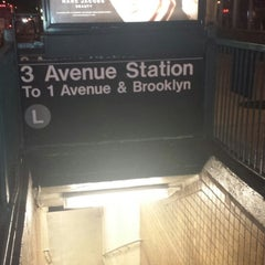 Photo taken at MTA Subway - 3rd Ave (L) by Christian T. on 9/28/2013