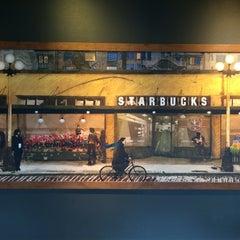 Photo taken at Starbucks by Alejandro R. on 1/11/2015