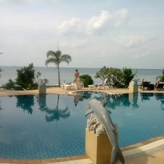 Photo taken at Haad Tian Beach Resort by Yaroslav N. on 1/6/2013